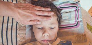 Zapaleniu płuc towarzyszy wysoka gorączka